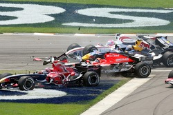 Crash at first corner: Vitantonio Liuzzi, Christian Klien, Franck Montagny and Christijan Albers