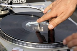 Red Bull chilled Thursday: turntables