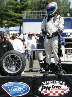 Pit crew challenge: Clint Field