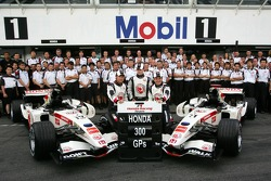 Honda Racing team photo: Honda celebrate their 300th Grand Prix