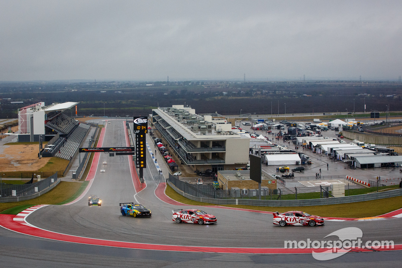 Turn 1 at COTA