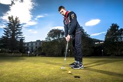 Daniil Kvyat, Red Bull Racing plays golf