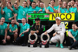Race winner Lewis Hamilton Mercedes AMG F1 and second placed Nico Rosberg Mercedes AMG F1 celebrate with the team