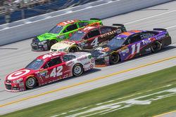 Kyle Larson, Ganassi Racing Chevrolet, Kevin Harvick, Stewart-Haas Racing Chevrolet, Denny Hamlin, Joe Gibbs Racing Toyota and Danica Patrick, Stewart-Haas Racing Chevrolet