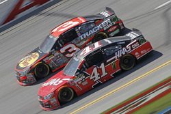 Austin Dillon, Richard Childress Racing Chevrolet and Kurt Busch, Stewart-Haas Racing Chevrolet