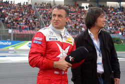 Emotional moments for Jean Alesi and his manager Mario Miyakawa, for his last DTM race