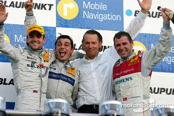 Podium: race winner Bruno Spengler with Jamie Green, Tom Kristensen and Hans-Jürgen Mattheis