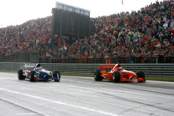 Jeroen Bleekemolen overtakes Nicolas Lapierre for the lead of the race