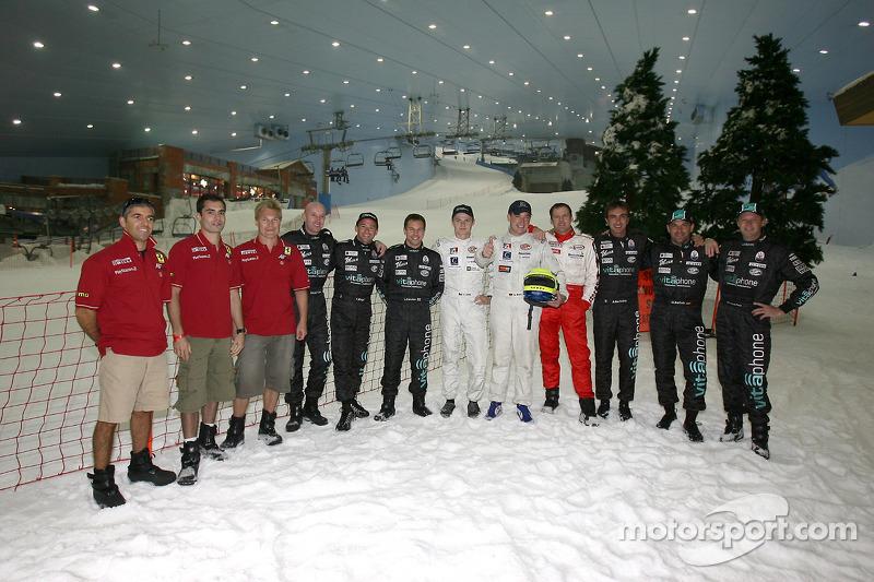 Visit of Ski Dubai: FIA-GT drivers pose