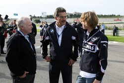 Starting grid: Sebastian Vettel with his father and Dr. Mario Theissen