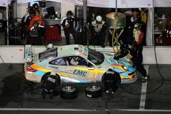 Pitstop for #81 Synergy Racing Porsche GT3 Cup: Steve Johnson, Patrick Huisman, Richard Westbrook, Richard Lietz