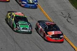 Carl Edwards and Kevin Harvick battle for the lead