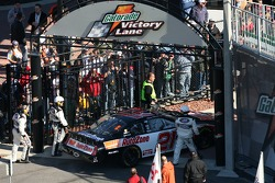 Race winner Kevin Harvick enters victory lane