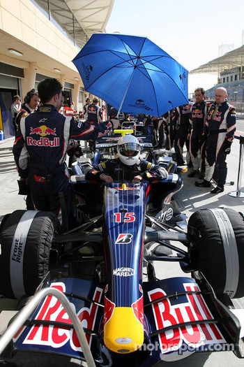 Mark Webber, Red Bull Racing, Red Bull Racing simulate a race