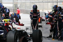 Pitstop practice for Mark Webber, Red Bull Racing