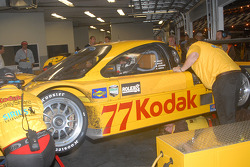 Oriol Servia awaits repairs to #77 Feeds The Need/ Doran Racing Ford Doran