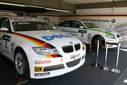 Team garage, BMW Team Germany, BMW 320si WTCC