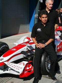 Aguri Suzuki, Super Aguri F1 and Daniele Audetto, Super Aguri F1, Super Aguri F1 Team, SA07, Launch
