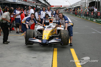Car of Heikki Kovalainen, Renault F1 Team after his stop on track