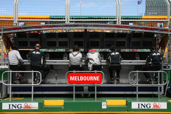 Red Bull Racing, Pit Gantry