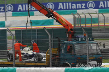 Engine failure at the car of Nick Heidfeld, BMW Sauber F1 Team