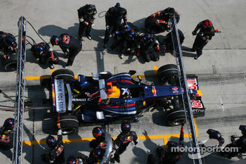 David Coulthard, Red Bull Racing, RB3 pitstop