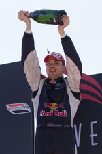 Robert Doornbos celebrates