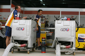 Renault F1 Team, fuel rigs