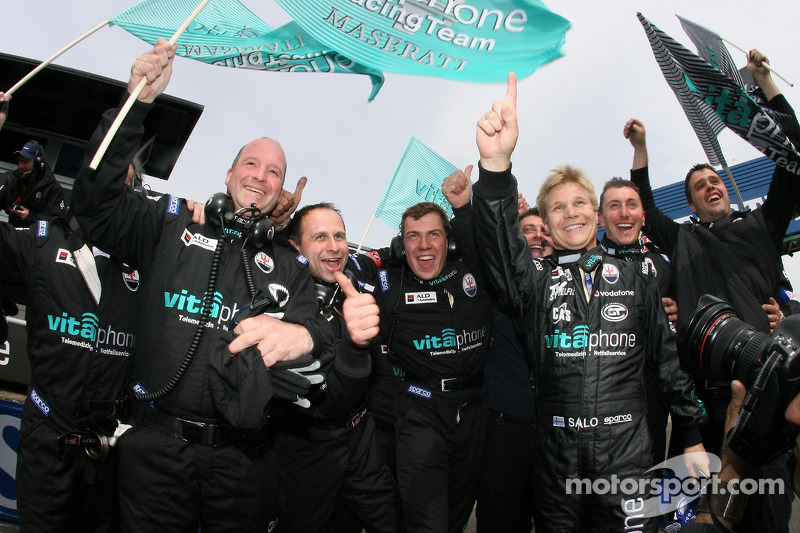 Mika Salo celebrates win with Vitaphone Racing team members