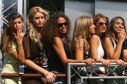 Formula Una girls