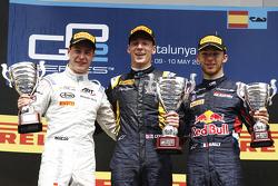 Podium: second place Stoffel Vandoorne, ART Grand Prix and winner Alex Lynn, DAMS and Pierre Gasly, DAMS