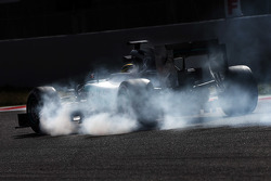 Pascal Wehrlein, Mercedes AMG F1 W06 Reserve Driver locks up under braking