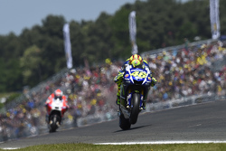 MotoGP 2015 Motogp-french-gp-2015-valentino-rossi-yamaha-factory-racing-and-andrea-dovizioso-ducati-te