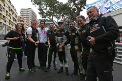 Richie Stanaway, Status Grand Prix, with his team
