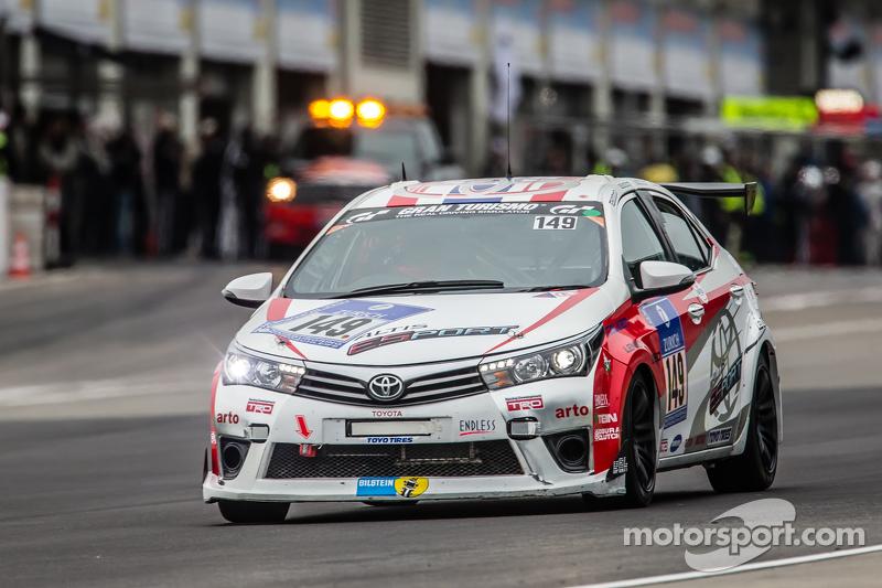 #149 Toyota Team Thailand Toyota Corolla Altis: Suttipong Smittacharch, Nattavude Charoensukhawatana, Nattapong Hortongkum, Kantasak Kusiri