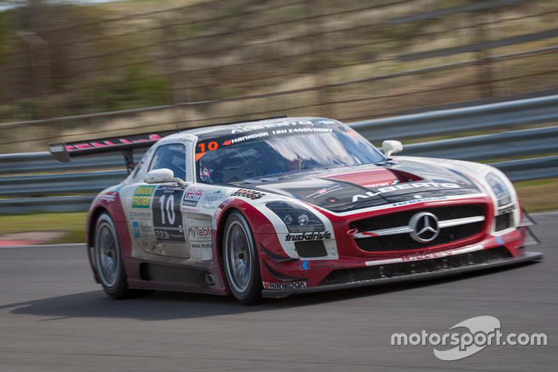 #10 Hofor Racing Mercedes SLS AMG GT3: Michael Kroll, Roland Eggimann, Kenneth Heyer, Christiaan Frankenhout