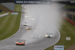 Start: #12 Von Ryan Racing McLaren 650S: Gilles Vannelet, Adrian Quaife-Hobbs leads
