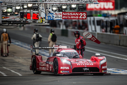 Pit stop for #22 Nissan Motorsports Nissan GT-R LM NISMO: Harry Tincknell, Alex Buncombe, Michael Krumm