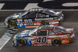 Dale Earnhardt Jr., Hendrick Motorsports Chevrolet and Landon Cassill, Hillman Circle Sport LLC Chevrolet