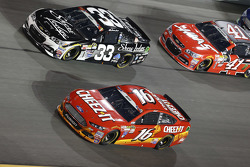 Brian Scott, Richard Childress Racing Chevrolet and Greg Biffle, Roush Fenway Racing Ford