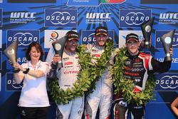 Podium: race winner Jose Maria Lopez, Citroën C-Elysée WTCC, Citroën World Touring Car team, second place Sébastien Loeb, Citroën C-Elysée WTCC, Citroën World Touring Car team, third place Norbert Michelisz, Honda Civic WTCC, Zengo Motorsport