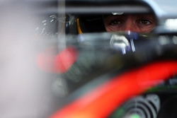 Alonso, qui visait le Top10, a poussé sa voiture pour rien! F1hungarian-gp2015fernandoalonsomclarenmp430