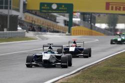 Adderly Fong, Koiranen GP leads Mitchell Gilbert, Carlin
