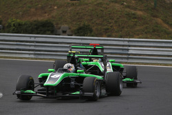 Alex Fontana, Status Grand Prix leads Sandy Stuvik, Status Grand Prix