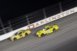 Ryan Newman, Richard Childress Racing Chevrolet and Matt Kenseth, Joe Gibbs Racing Toyota