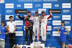 Podium: race winner Jose Maria Lopez, Citroën C-Elysée WTCC, Citroën World Touring Car team, second place Norbert Michelisz, Honda Civic WTCC, Zengo Motorsport, third position Gabriele Tarquini, Honda Civic WTCC, Castrol Honda WTC Team