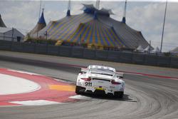 保时捷北美队911号保时捷911 RSR赛车:帕特里克·皮雷、尼克·坦迪