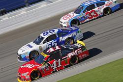 Kurt Busch, Stewart-Haas Racing Chevrolet and David Ragan, Michael Waltrip Racing Toyota and Brian Scott, Richard Childress Racing Chevrolet