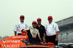 Kim Green, Dario Franchitti, Michael Andretti and Kim Savoree