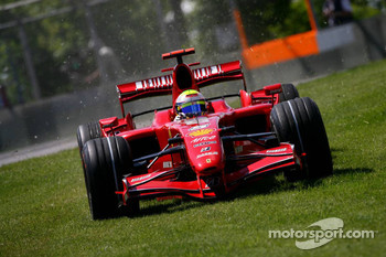 Felipe Massa, Scuderia Ferrari, F2007, takes an alternative route around the circuit